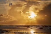 Kitesurfen op zee, Den Haag- Kitesurfing on sea, The Hague, Netherlands