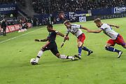 Fussball: 1. Bundesliga, Hamburger SV - FC Bayern Muenchen, Hamburg, 22.01.2016<br /> <br /> Douglas Coasta (Bayern) - Lewis Holtby (m.)<br /> <br /> © Torsten Helmke
