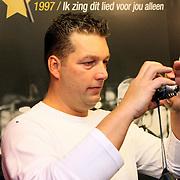 NLD/Volendam/20080301 - Signeersessie Jan Smit, chauffeur Cor