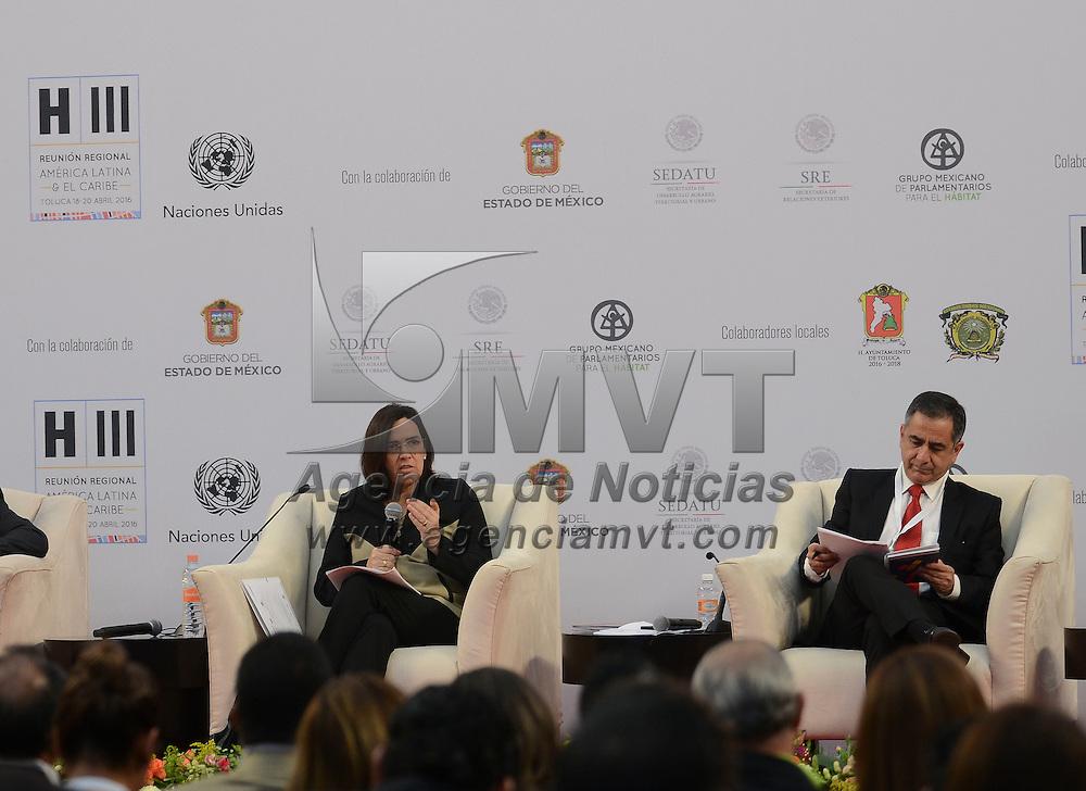 Toluca, México (Abril 18, 2016).- Verónica Zavala Lombardi, BID impartió la conferencia magistral Ciudades Sostenibles Accesibles y Seguras en la Reunión Regional Hábitat 2016.  Agencia MVT / Arturo Hernández.
