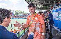 AMSTELVEEN - Oranje haalt het goud op. Robbert Kemperman (Ned)   , links Stefan Veen.    EK hockey, finale Nederland-Duitsland 2-2. mannen.  Nederland wint de shoot outs en is Europees Kampioen.  COPYRIGHT KOEN SUYK