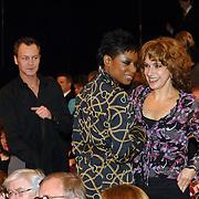 NLD/Utrecht/20060319 - Gala van het Nederlandse lied 2006, Sylvana Simons met vriend Jordy en Cilly Dartell