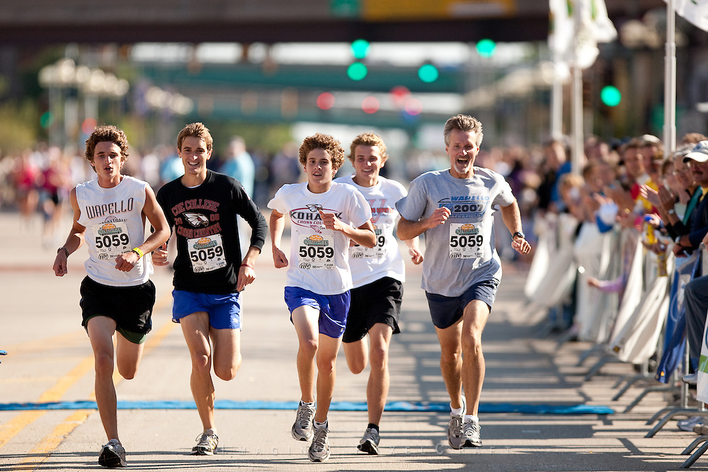 Quad Cities Marathon 2009 | Team Moser: Larry, Grant, Lane, Bennet, and Chase Moser triumphantly approach the finish line with a time of 2:38:21 in the 5-Person Team Relay of the Quad Cities Marathon.