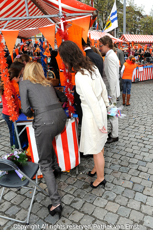 Koninginnedag 2010 . De Koninklijke familie in het zeeuwse  Middelburg. / Queensday 2010. De Royal Family in Middelburg.<br /> <br /> op de foto / on the photo Prinses Anita en Prinses Mabel