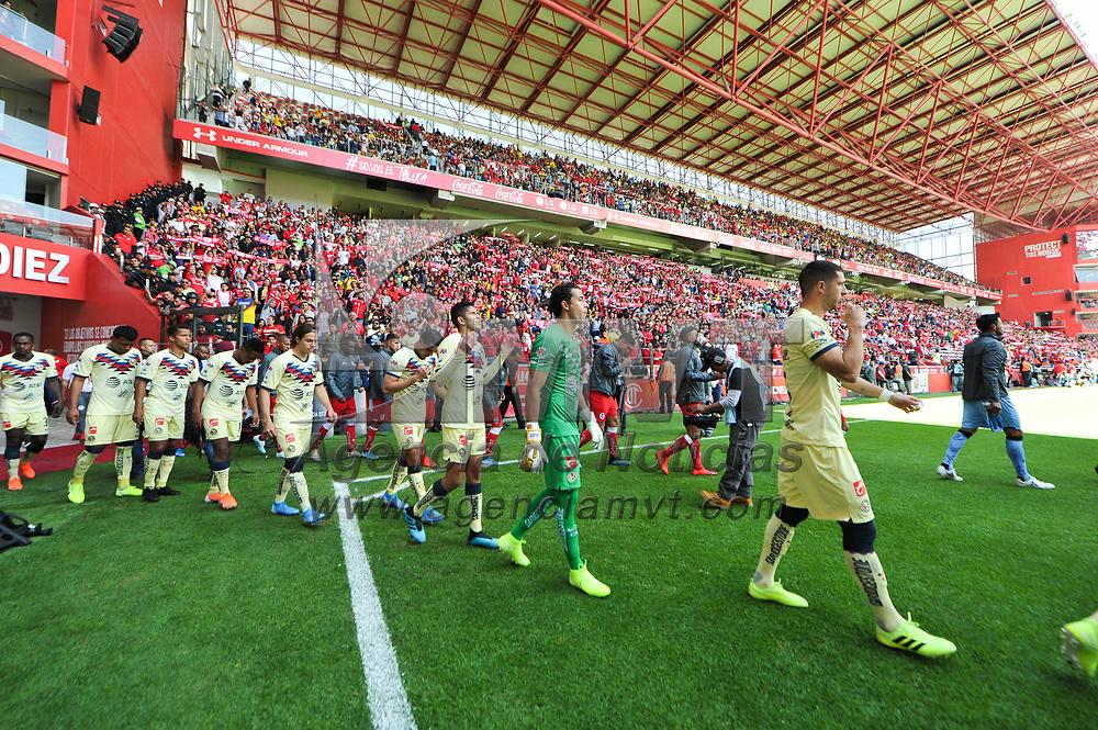 Toluca, México.- El Club América venció 1 gol por 0 al Deportivo Toluca en la cancha del estadio Nemesio Diez. Agencia MVT / Mario Vázquez de la Torre.