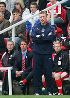 Photo: Andrew Unwin.<br /> Middlesbrough v Everton. The Barclays Premiership. 14/10/2006.<br /> Everton's David Moyes (R) and Middlesbrough's Gareth Southgate (L).
