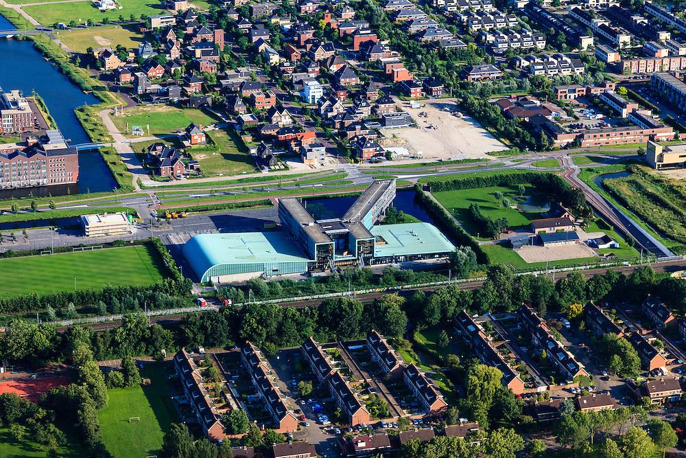 Nederland, Utrecht, Gemeente Woerden, 15-07-2012; de Wijk Snel en Polanen met .Sportcentrum Snellerpoort.Woerden, new residential area and sports center  in the polder. luchtfoto (toeslag), aerial photo (additional fee required).luchtfoto (toeslag), aerial photo (additional fee required).foto/photo Siebe Swart