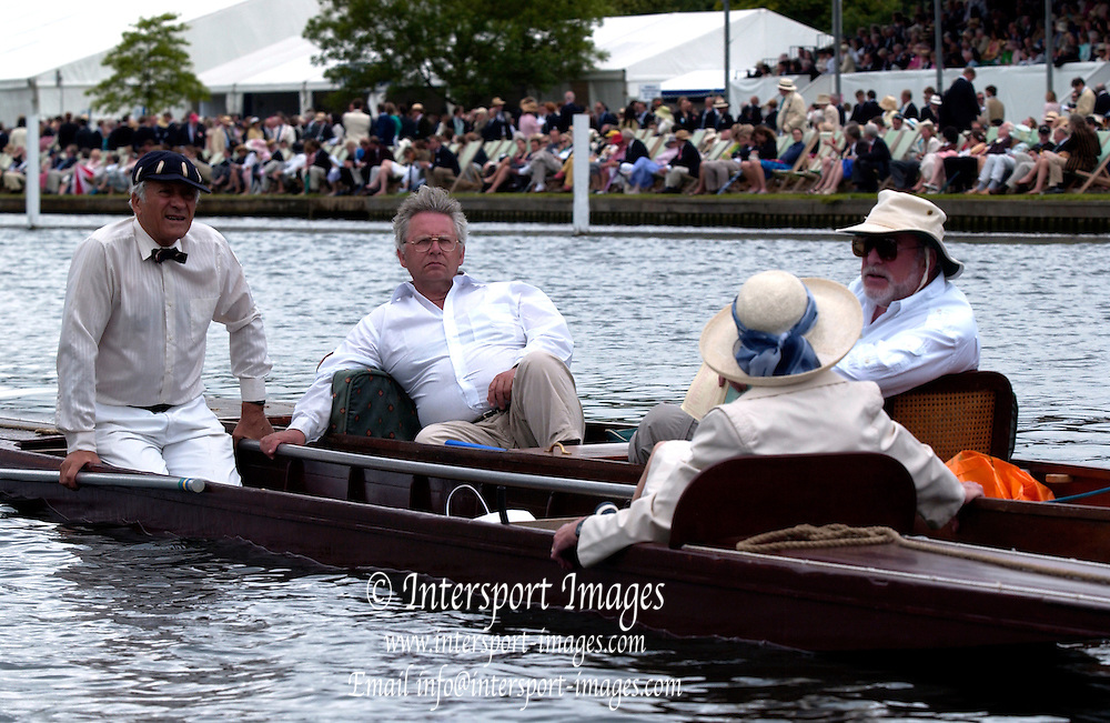 2005 Henley Royal Regatta, Henley on Thames, ENGLAND. 30.06.2005 Heat of the Thames Challenge Cup Garda Siochana Boat Club, Ireland, paddle home to win their heat, on the second day of the 2005 Henley Royal Regatta. Photo  Peter Spurrier. .email images@intersport-images..[Mandatory Credit Peter Spurrier/ Intersport Images] . HRR.