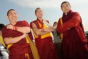 Het Ticket for Tibet festival op de NDSM-werf in Amsterdam was zondag 9500 mensen aanwezig.<br /> De organisatie wil met het festival protesteren tegen wat zij noemt de bezetting van Tibet door China. <br /> <br /> Op de foto: <br /> <br />  Monniken van het Sera Je Klooster dat gelegen is aan de voet van de aan de noord kant van Lhasa gelegen bergen is een van de belangrijkste kloosters in Tibet