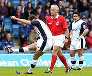 2005 European Challenge Cup Final Sale Sharks v Pau, ENGLAND, 21.05.2005, Referee Alan Lewis [Ireland] watches as Charlie Hodgson kicks a first half conversion.<br /> Photo  Peter Spurrier. <br /> email images@intersport-images
