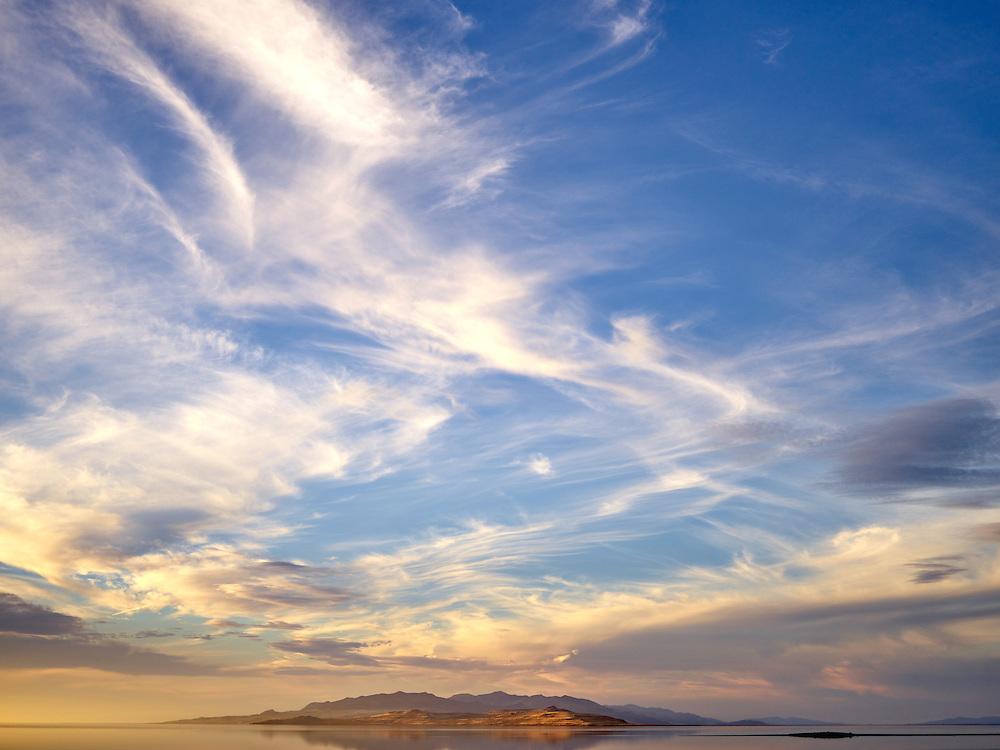 http://Duncan.co/sunset-at-antelope-island-2/