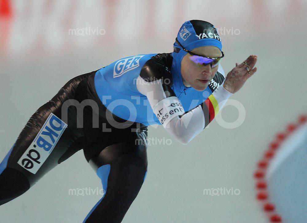 Erfurt , 170207 , Eisschnelllauf Weltcup , 1500m Frauen  Lucille OPITZ (GER)