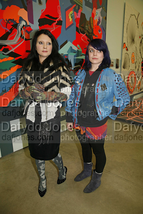 PRINCESS JULIA AND HANNAH COWAN, Franz Ackermann , Home, home again private view. White Cube, Hoxton sq. London. 20 April 2006. ONE TIME USE ONLY - DO NOT ARCHIVE  © Copyright Photograph by Dafydd Jones 66 Stockwell Park Rd. London SW9 0DA Tel 020 7733 0108 www.dafjones.com