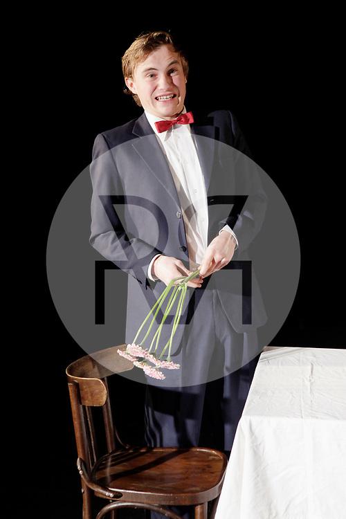 DEUTSCHLAND - BERLIN - David Kopp, Schauspieler, bei der Hauptprobe des Absolventenvorspiel 2011/2012 des 'Michael Tschechow Studio Berlin' im Theater Forum Kreuzberg - 07. Dezember 2011 © Raphael Hünerfauth - https://www.huenerfauth.ch