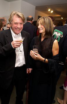 Frank and Chery Cohen, Timothy Taylor new gallery opening, Dering  St. 20 May 2003. © Copyright Photograph by Dafydd Jones 66 Stockwell Park Rd. London SW9 0DA Tel 020 7733 0108 www.dafjones.com