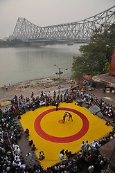 November 18, 2018 - Kolkata, West Bengal, India - Indian wrestlers participate in a 66th Senor State  Wrestling Championship on a makeshift ring at the front of Ganga River on November 05,2018 in Kolkata,India. (Credit Image: © Debajyoti Chakraborty/NurPhoto via ZUMA Press)