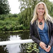 NLD/Amsterdam/20120822 - Perspresentatie SBS Sterren Springen, deelneemster Liesbeth Kamerling