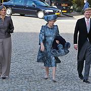 BEL/Brussel/20101120 - Huwelijk prinses Annemarie de Bourbon de Parme-Gualtherie van Weezel en bruidegom Carlos de Borbon de Parme, prinses Maxima, kroonprins Willem Alexander en konining Beatrix