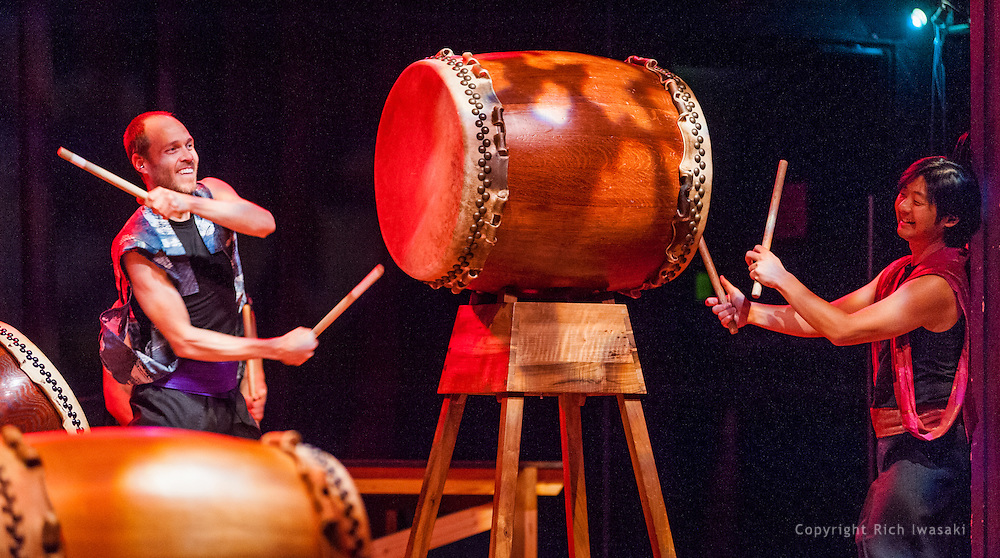"""Members of On Ensemble perform during """"Making Waves 2013"""" concert, Aladdin Theater, Portland, Oregon"""