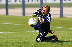 24.04.2014, Veltins Arena, Gelsenkirchen, GER, 1. FBL, Training Schalke 04, im Bild Torhueter Timo Hildebrand ( Schalke 04 ) beim Torwarttraining. // during a Trainingsession of German Bundesliga Club Schalke 04 at the Veltins Arena in Gelsenkirchen, Germany on 2014/04/24. EXPA Pictures © 2014, PhotoCredit: EXPA/ Eibner-Pressefoto/ Thienel<br /> <br /> *****ATTENTION - OUT of GER*****