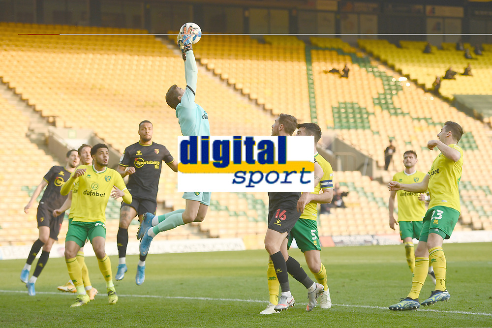 Football - 2020 / 2021 Sky Bet Championship - Norwich City vs Watford - Carrow Road<br /> <br /> Tim Krul of Norwich City claims a corner.<br /> <br /> COLORSPORT