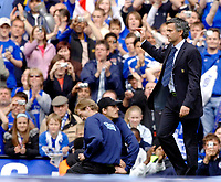 Photo: Daniel Hambury.<br />Chelsea v Manchester United. The Barclays Premiership. 29/04/2006.<br />Chelsea's manager Jose Mourinho takes the applause of the fans.