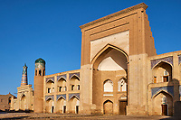 Ouzbekistan, Khiva, patrimoine mondial de l UNESCO, madrasa Kutlimurodinok // Uzbekistan, Khiva, Unesco World Heritage, Kutlimurodinok medresa