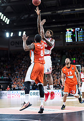 10.02.2016, ratiopharm arena, Ulm, GER, ULEB Eurocup, ratiopharm Ulm gegen FC Bayern Muenchen, Top 32 Runde, im Bild Deon Thompson #09 (FC Bayern), Raymar Morgan #08 (ratiopharm Ulm) // during the round of last 32 match of the ULEB Eurocup Basketball between ratiopharm Ulm an FC Bayern Munich at the ratiopharm arena in Ulm, Germany on 2016/02/10. EXPA Pictures © 2016, PhotoCredit: EXPA/ Eibner-Pressefoto/ Walther<br /> <br /> *****ATTENTION - OUT of GER*****