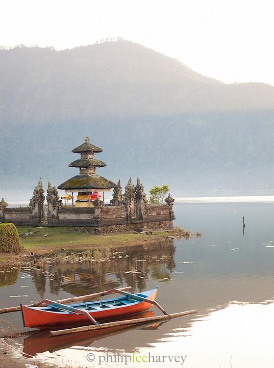 Pura Ulun Danu Bratan Temple, Lake Bratan, Bali, Indonesia.