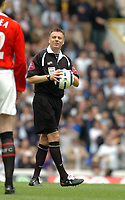 Photo: Leigh Quinnell.<br /> Tottenham Hotspur v Manchester United. The Barclays Premiership. 17/04/2006. Referee M. Halsey.