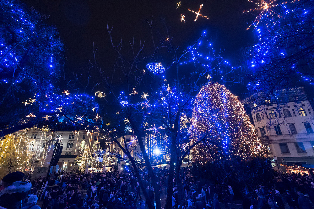 LJUBLJANA, SLOVENIA - DECEMBER 02:  Christmas light and decorations shine on the Franciscan church in the city centre on December 2, 2017 in Ljubljana, Slovenia. The traditional Christmas market and lights will stay until 1st week of January 2018.  (Photo by Marco Secchi/Getty Images)