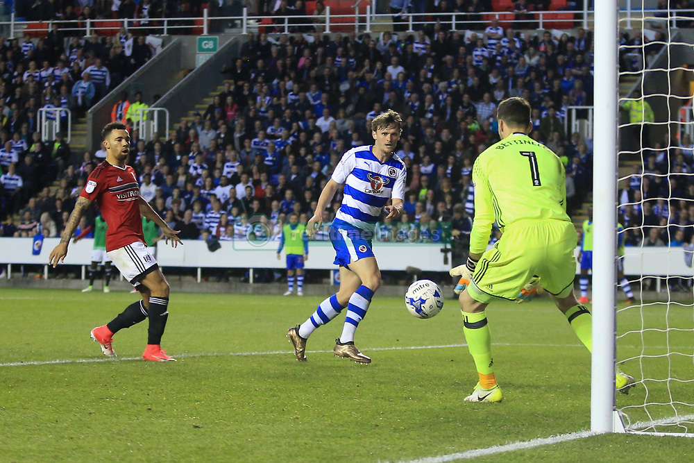 16 May 2017 - Sky Bet Championship - Play-off 2nd Leg - Reading v Fulham - Reading come close to a 2nd as John Swift of Reading hits the ball directly at Marcus Bettinelli of Fulham - Photo: Marc Atkins / Offside.
