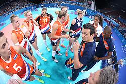 20150619 AZE: 1ste European Games Baku Servie - Nederland, Bakoe<br /> Nederland verslaat Servie met 3-2 /Time out Giovanni Guidetti met oa Robin de Kruijf #5, Femke Stoltenborg #2, Debby Pilon-Stam #16, Lonneke Sloetjes #10, Judith Pietersen #8, Maret Balkestein-Grothues #6