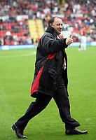 Photo: Rich Eaton.<br /> <br /> Bristol City v Crewe Alexander. Coca Cola League 1. 14/10/2006. Thumbs up from Gary Johnson whose team won 2-1 at home