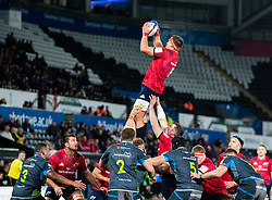 CJ Stander of Munster  claims the lineout<br /> <br /> Photographer Simon King/Replay Images<br /> <br /> European Rugby Champions Cup Round 1 - Ospreys v Munster - Saturday 16th November 2019 - Liberty Stadium - Swansea<br /> <br /> World Copyright © Replay Images . All rights reserved. info@replayimages.co.uk - http://replayimages.co.uk