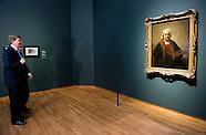 Willem Alexander opent op donderdag 12 februari 2015 in het Rijksmuseum in Amsterdam de overzichtste