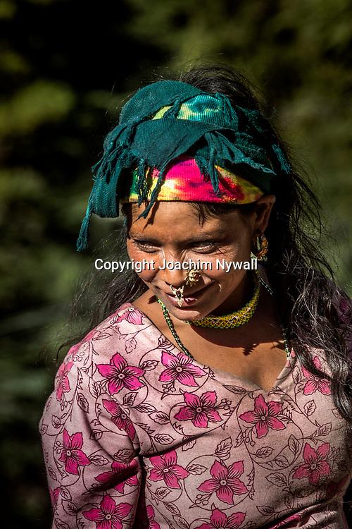 2016 10 13 Gangotri Uttarakhand India<br /> Vägen längs Bhagirathi som ganges heter här uppe<br /> Porträtt på en kvinna<br /> <br /> ----<br /> FOTO : JOACHIM NYWALL KOD 0708840825_1<br /> COPYRIGHT JOACHIM NYWALL<br /> <br /> ***BETALBILD***<br /> Redovisas till <br /> NYWALL MEDIA AB<br /> Strandgatan 30<br /> 461 31 Trollhättan<br /> Prislista enl BLF , om inget annat avtalas.