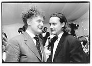 Malcolm Mc Laren, Damien Hirst© Copyright Photograph by Dafydd Jones 66 Stockwell Park Rd. London SW9 0DA Tel 020 7733 0108 www.dafjones.com