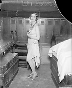 0608-114.  Elsie Connor, a member of  Earl Carroll's Vanities, in 1928. (Earl Carroll's Broadway Musical Revue).