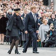 NLD/Amsterdam/20170504 - Nationale Herdenking 2017, Willem-Alexander en Maxima