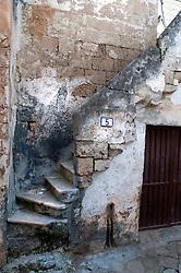 Leverano (LE) - Nel centro di Leverano si notano tantissime strutture abbandonate. Molte abitazioni ormai sono lasciate al deterioramento da parte del tempo.