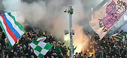 19.03.2011, Gerhard Hanappi Stadion, Wien, AUT, 1.FBL, SK Rapid Wien vs Lask Linz, im Bild Rapid Fans zünden Bengalen, EXPA Pictures © 2011, PhotoCredit: EXPA/ M. Gruber