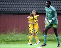 Fotball<br /> 05.08.2012<br /> Adeccoligaen<br /> Strømmen v Bodø/Glimt Bodø Glimt 1:1<br /> Foto: Morten Olsen, Digitalsport<br /> <br /> Aram Khalili (L) gratuleres av Vegard Braaten etter 1:0 for Glimt. I forgrunnen Strømmen keeper Duwayne Kerr