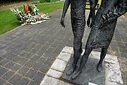 Nederland, Nijmegen, 15-7-2007..Op de wedren in Nijmegen is bij het vierdaagsemonument een nieuw monument, gedenksteen, onthuld voor de in 2006 overleden 4daagsedeelnemers..Foto: Flip Franssen