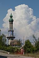 Lecco, Comune di Olginate: Consonno da borgo a città dei balocchi in abbandono. Veduta del minareto.