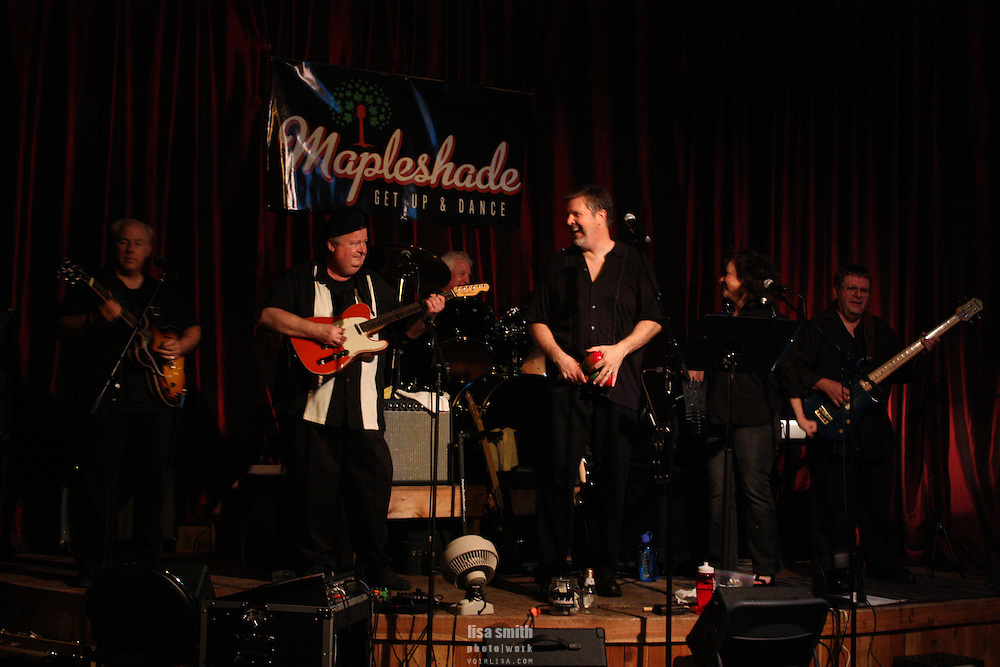 Mapleshade band plays live at Amigos in Richardson Texas.  Classic rock & blues.