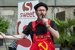 Pictured:  Des Kaital<br />