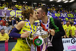 27-10-2019 NED: Who will be the coach for Tokyo<br /> Daniele Santarelli, coach and Monica de Gennaro from Imoco Volley Conegliano and Robin de Kruijf