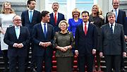 Kabinet-Rutte II op het bordes  van Paleis Noordeinde.<br /> <br /> Op de foto: (vlnr achterste rij) Melanie Schultz-Van Hagen (minister van Verkeer), Jeroen Dijsselbloem (minister van Financien), Ronald Plasterk (minister van Binnenlandse Zaken), Jet Bussemaker (minister van Onderwijs), Jeanine Hennis-Plasschaert (minister van Defensie), Henk Kamp (minister van Economische Zaken),(vlnr voorste rij) Frans Timmermans (minister Buitenlandse Zaken), minister-president Mark Rutte, koningin Beatrix, Lodewijk Asscher (vicepremier en minister van Sociale Zaken) en Ivo Opstelten (minister van Justitie)