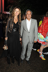 Artist ANISH KAPOOR and his wife SUSANNAH at the annual Serpentine Gallery Summer Party in Kensington Gardens, London on 9th September 2008.
